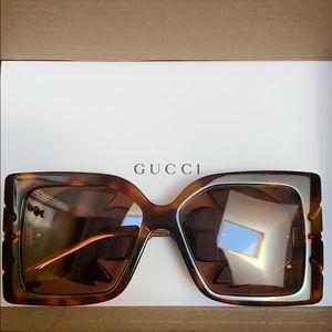 Authentic and rare Gucci sunglasses. 🕶 XL frames.